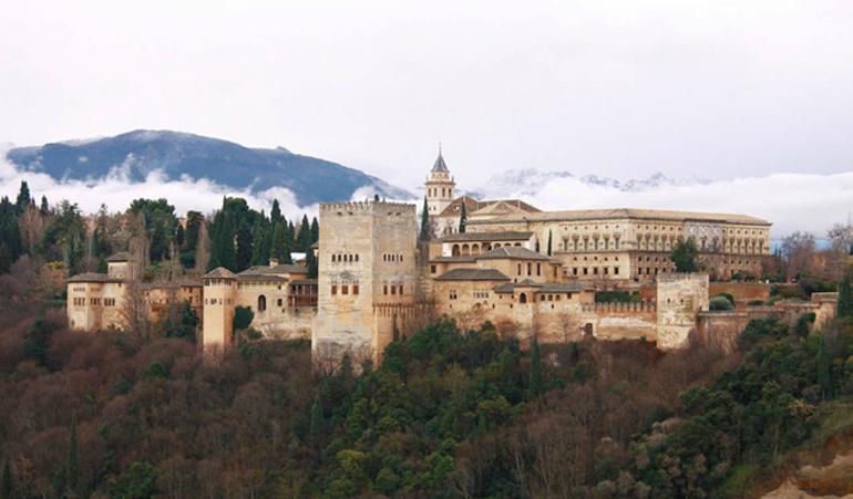 Elhamra Sarayı