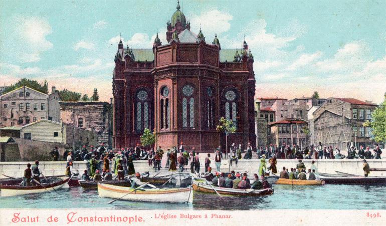 1900'lerin başında Demir Kilise ve kayıklarla ibadete gelen halk.